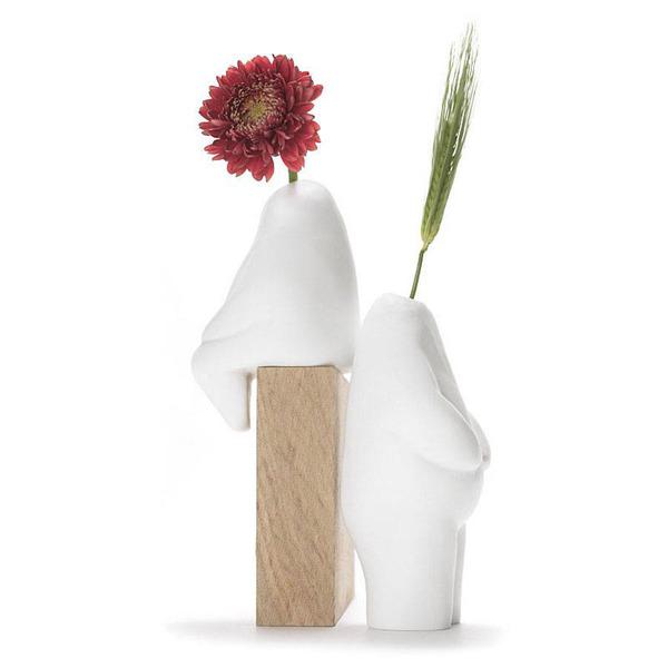 一輪の花を飾るための人型花瓶『フラワーマン』 (5)