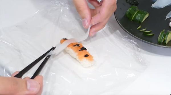 コイ寿司!自宅でも簡単に作れる鯉の形をしたお寿司 (9)