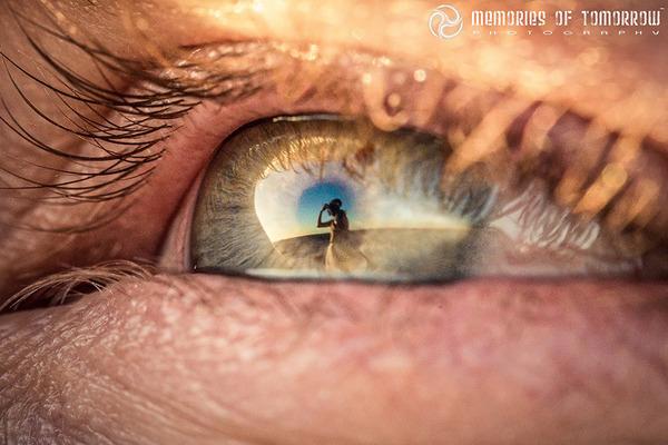 瞳に反射して映る結婚式の風景を撮影した『Eyescapes』 (7)
