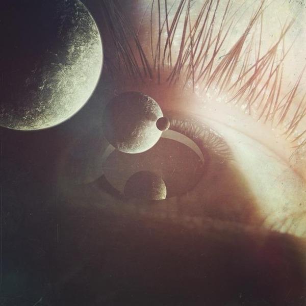 瞳をデジタル加工したアート  Nevan Doyle 5