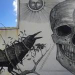 スピリチュアルな何かを感じる…。生と死を描いたクールな壁画アート