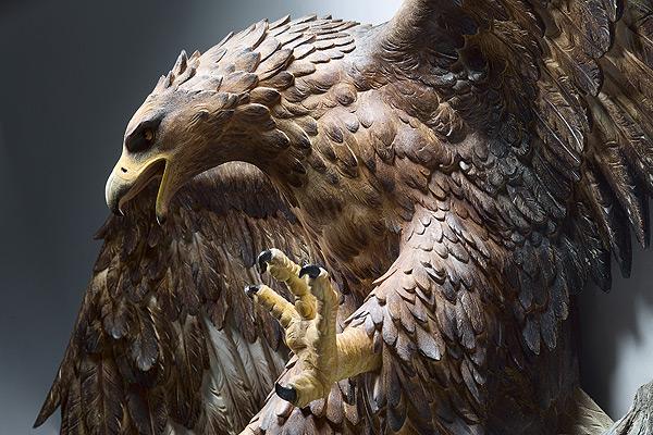 生き生きとした躍動感!野生動物の木彫りの彫刻作品 (16)