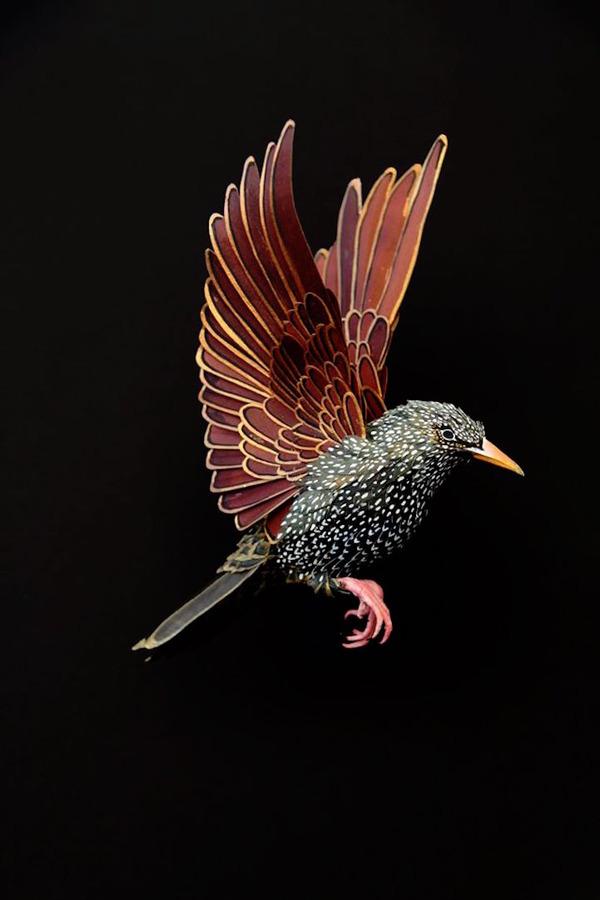 カラフル!リアル!鳥や蝶をモチーフにした紙の彫刻作品 (11)
