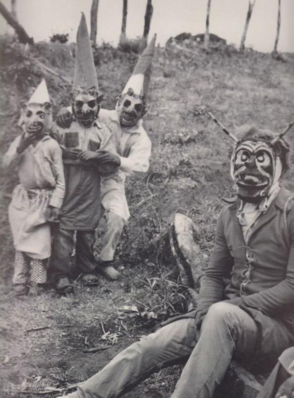 昔のハロウィンの写真がガチでホラーすぎる…! (15)