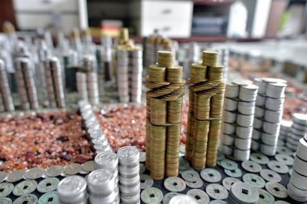 硬貨で作られた都市のレプリカ Peixi 6