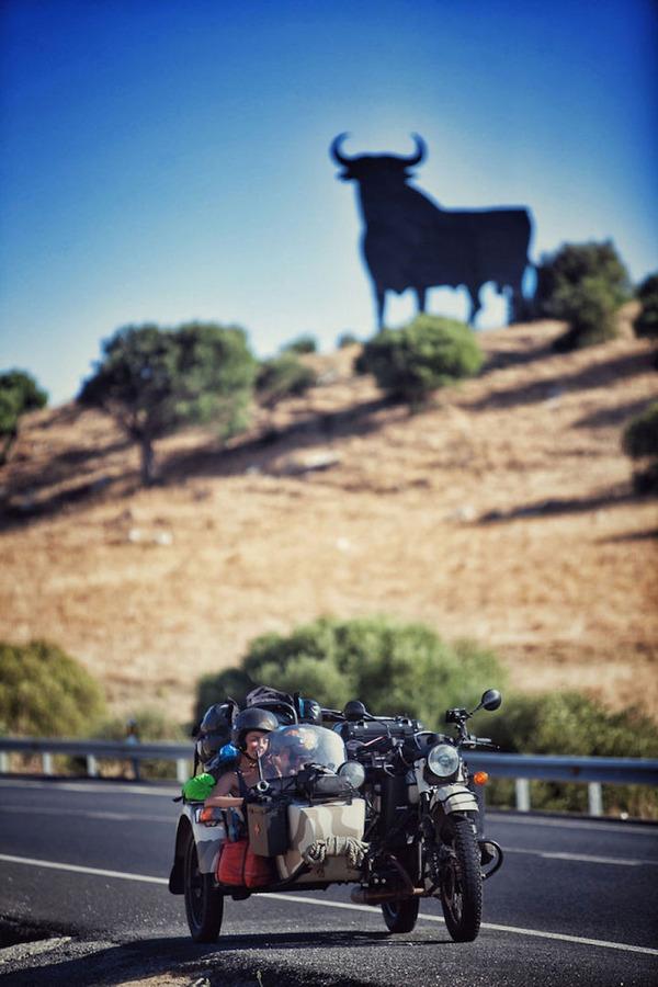 08 スペインの道路