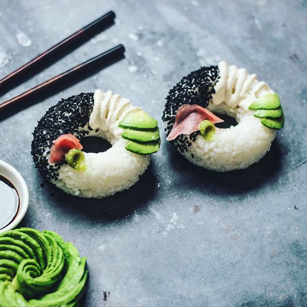 なかなか華やか。外国人が作った寿司ドーナッツ! (2)