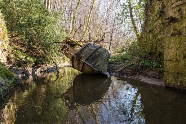 廃墟画像の不思議な魅力。放棄されたヨーロッパの建物 (16)