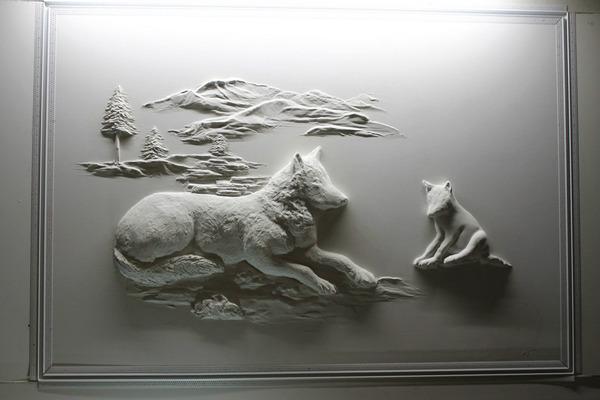 石膏職人の技!乾式壁に描く立体的な石膏彫刻 (1)