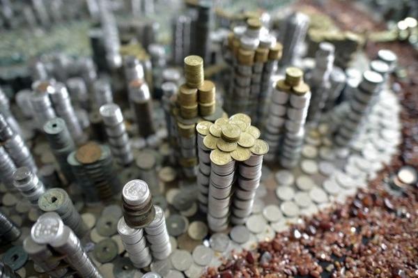 硬貨で作られた都市のレプリカ Peixi 8