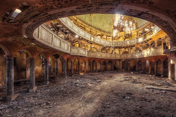 ヨーロッパの廃墟画像!寂れた建物の内観でメランコリック (2)