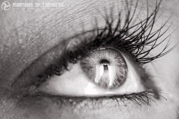 瞳に反射して映る結婚式の風景を撮影した『Eyescapes』 (6)