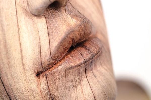 木材の彫刻に見えるセラミック彫刻 (14)