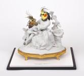 こいつ…鳥頭だ!バードヘッド、シュールな磁器彫刻アート