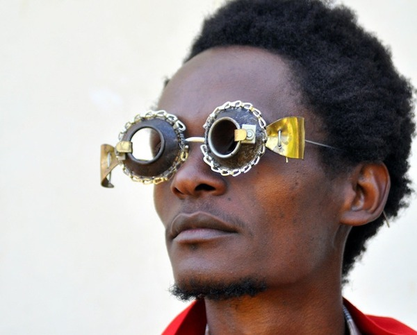 ユニークな眼鏡デザイン (1)