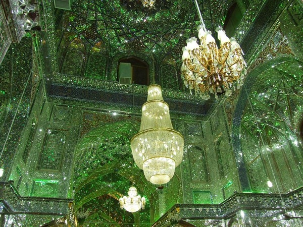 シャー・チェラーグ廟!超煌びやかなモスクの内装 (6)