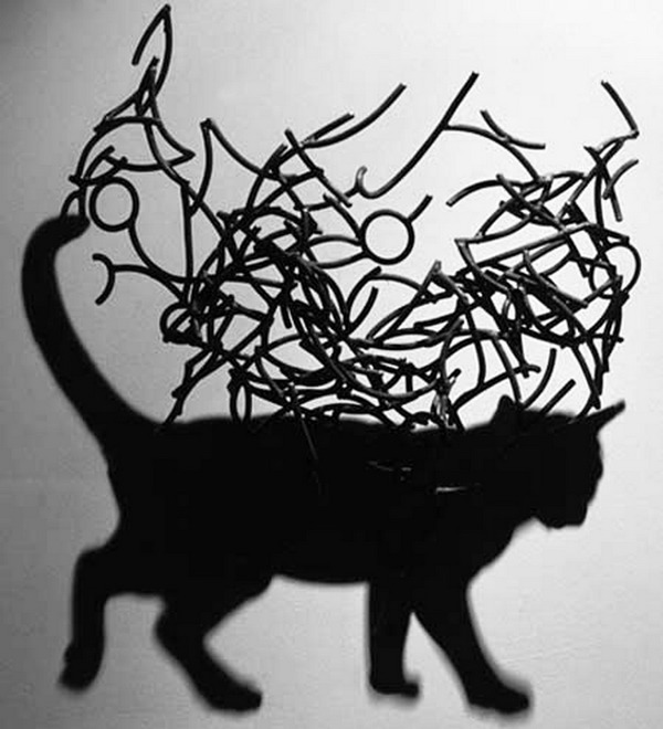 鋼線に光を当てると影の形が生まれるシャドーアート! (4)