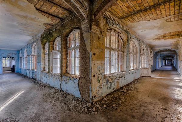 ヨーロッパの廃墟画像!寂れた建物の内観でメランコリック (16)