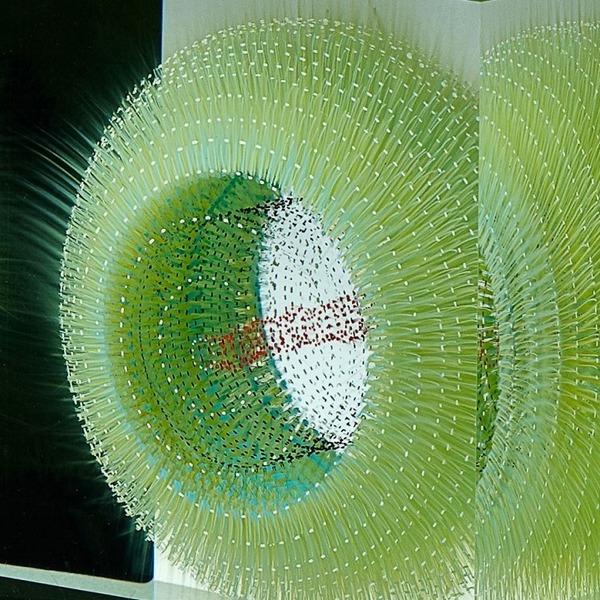 ガラスの中に絵を描く!層状に重ねられたガラス細工 (2)