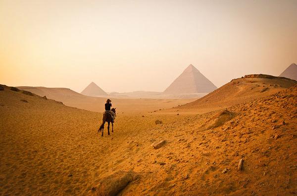 エジプト、ギザのピラミッド