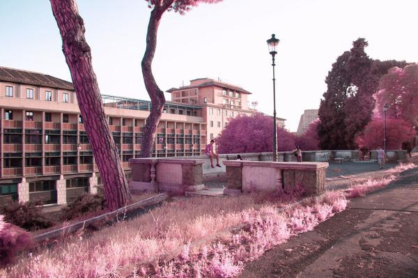 赤外線カメラで撮影されたイタリア・ローマの景色が幻想的 (5)