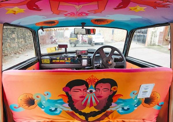 明るい気分で乗車できる!超カラフルなインドのタクシー (3)