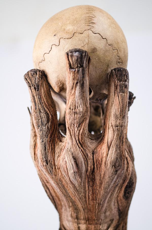 木材の彫刻のように見えるセラミック彫刻 (35)