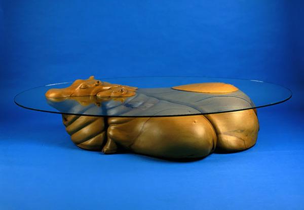 動物が水面にプカッと浮いてくるようなガラス製テーブル (5)
