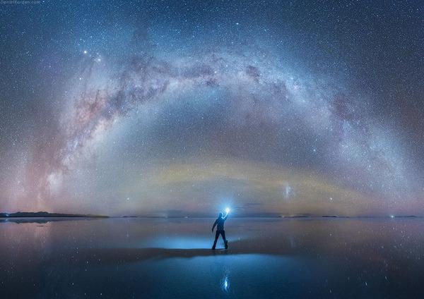 夜空に跨る天の川!ボリビア、ウユニ塩湖の星空が綺麗過ぎる (4)
