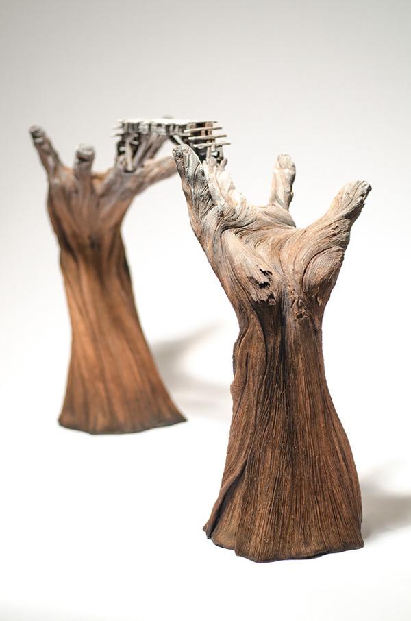 木材の彫刻のように見えるセラミック彫刻 (28)