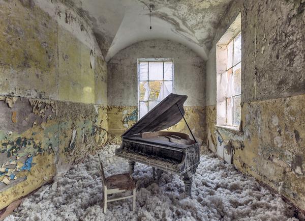 ヨーロッパの廃墟画像!寂れた建物の内観でメランコリック (9)