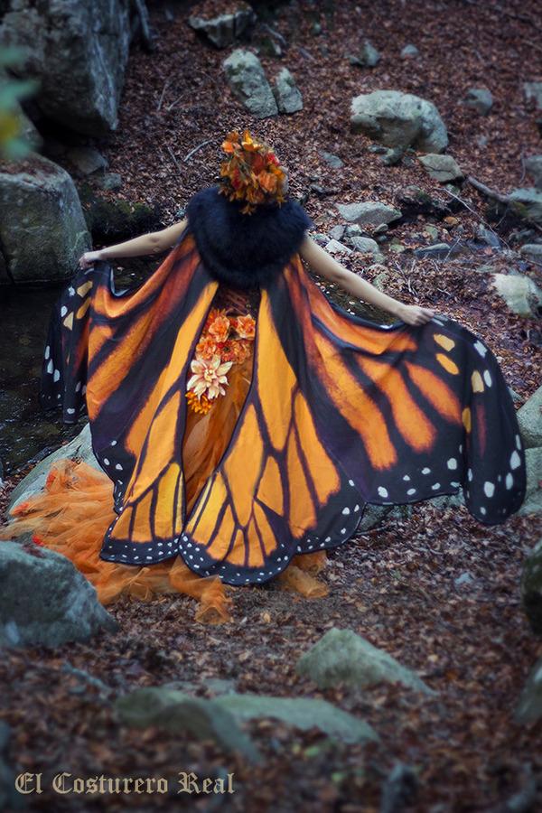 蝶の羽根模様のスカーフデザイン (9)