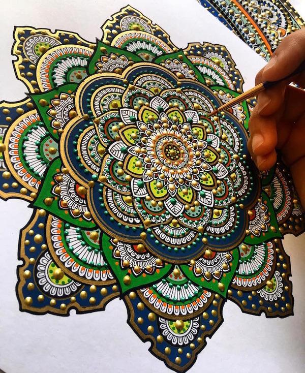 忍耐の賜物…手描きの曼荼羅模様がすごい (11)