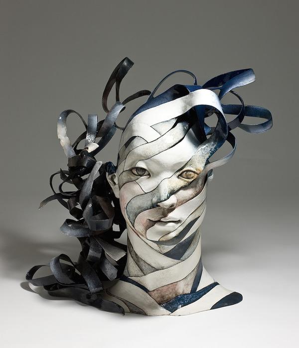 物質が歪み分解する。幻覚を見ているような奇妙な彫刻作品 (5)