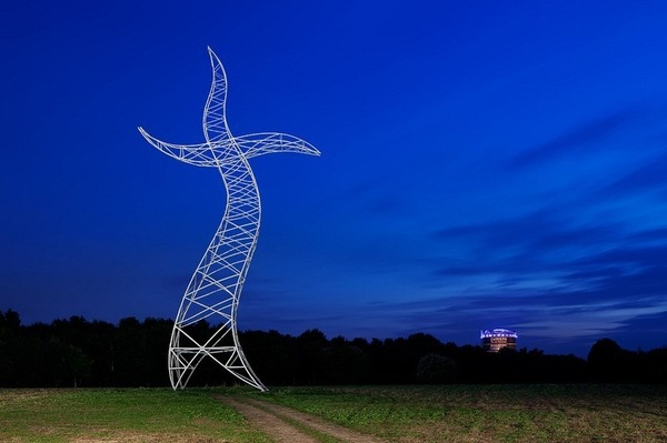 踊っているような送電塔、鉄塔、ドイツ 2