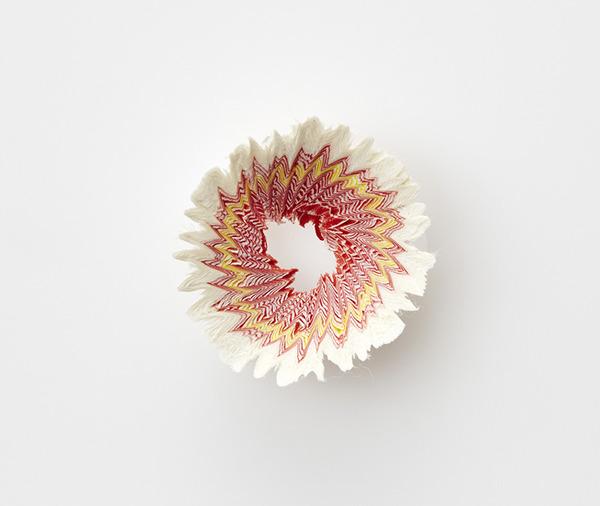鉛筆削りの屑が美しい花となる『紙の花』 (6)