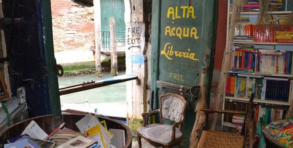 ヴェネツィアにある珍しい書店!『Libreria Acqua Alta』 (3)