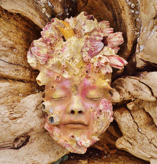 ロマサガのボスっぽい…流木に宿る女性彫刻! (3)
