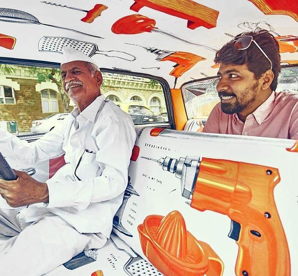 明るい気分で乗車できる!超カラフルなインドのタクシー (6)