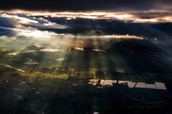 コックピットから撮影された壮大な空の写真 (12)