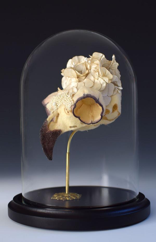 ウールやシルクから作られた骨格標本アート (3)