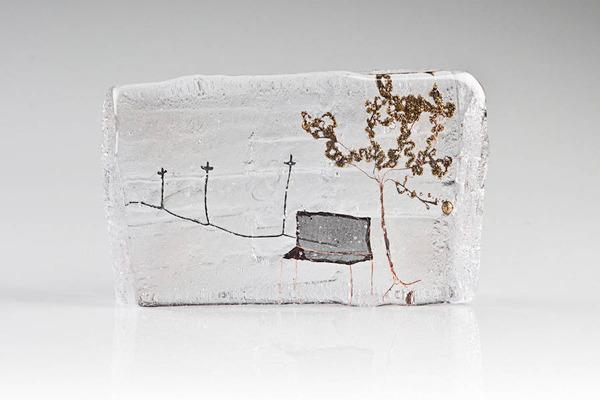 ガラスの中のミニチュア。氷に閉じ込められたような凍結世界 (4)