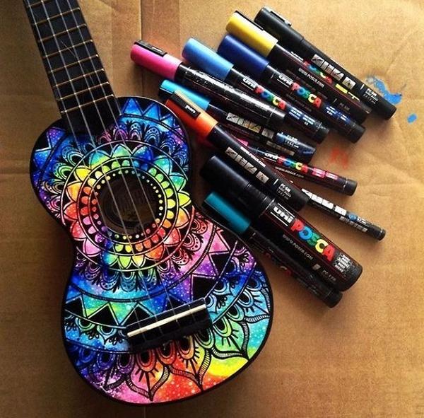マーカーペンを使用して楽器にお洒落なペイント! (2)