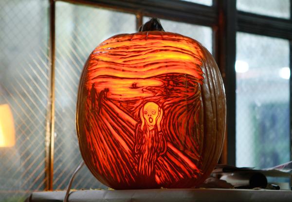 Maniac Pumpkin Carvers (1)