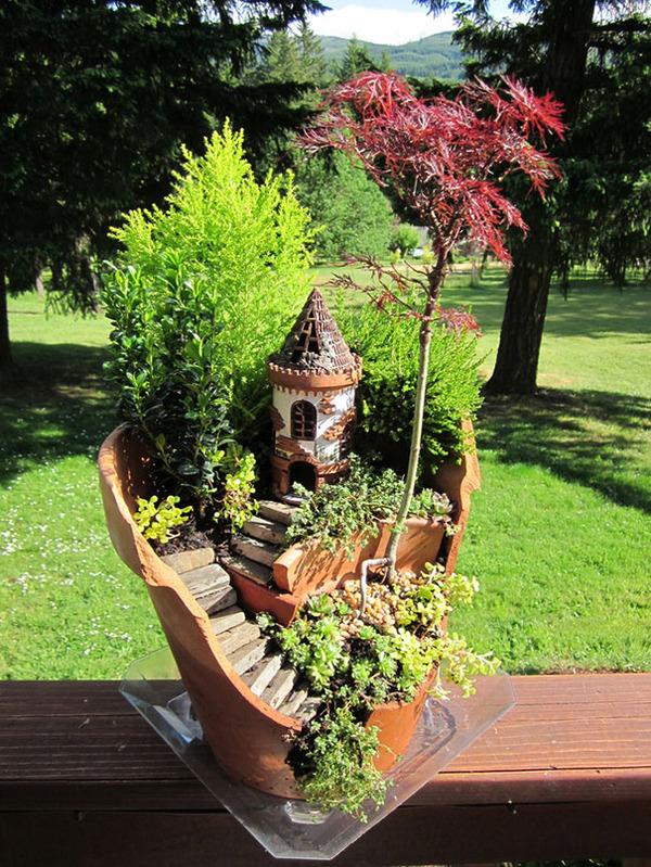 #11 Broken Pot Turned Into Fairy Garden