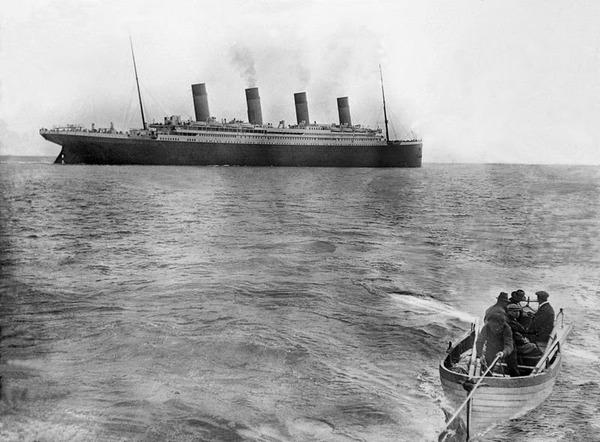 海上に映るタイタニック号の最後の姿,1912