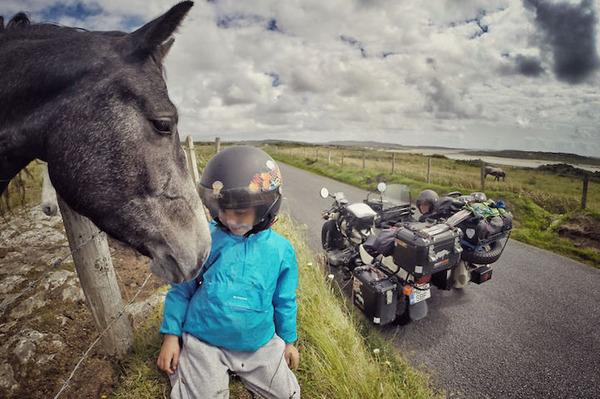 07 アイルランドの馬と友達になる