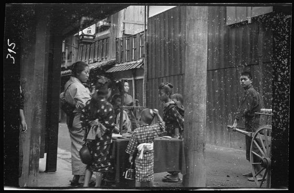 約100年前、明治時代に撮られた白黒写真。日本人の日常を映す (10)