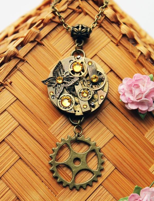 宝石や彫刻で彩られたスチームパンク風アクセサリー (2)