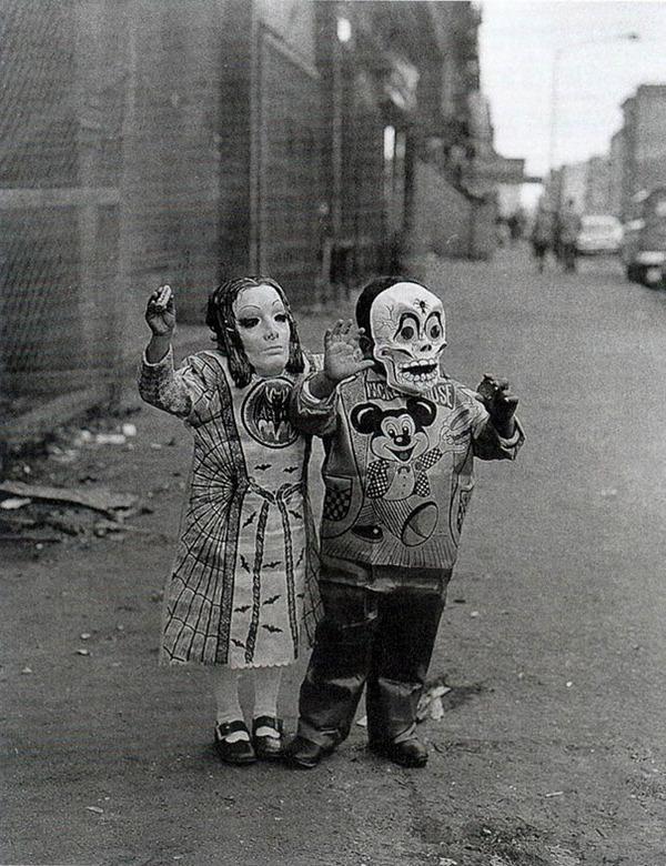 昔のハロウィンの写真がガチでホラーすぎる…! (9)